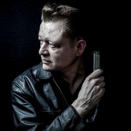 Lee Oskar Harmonica instructor Steve Lockwood